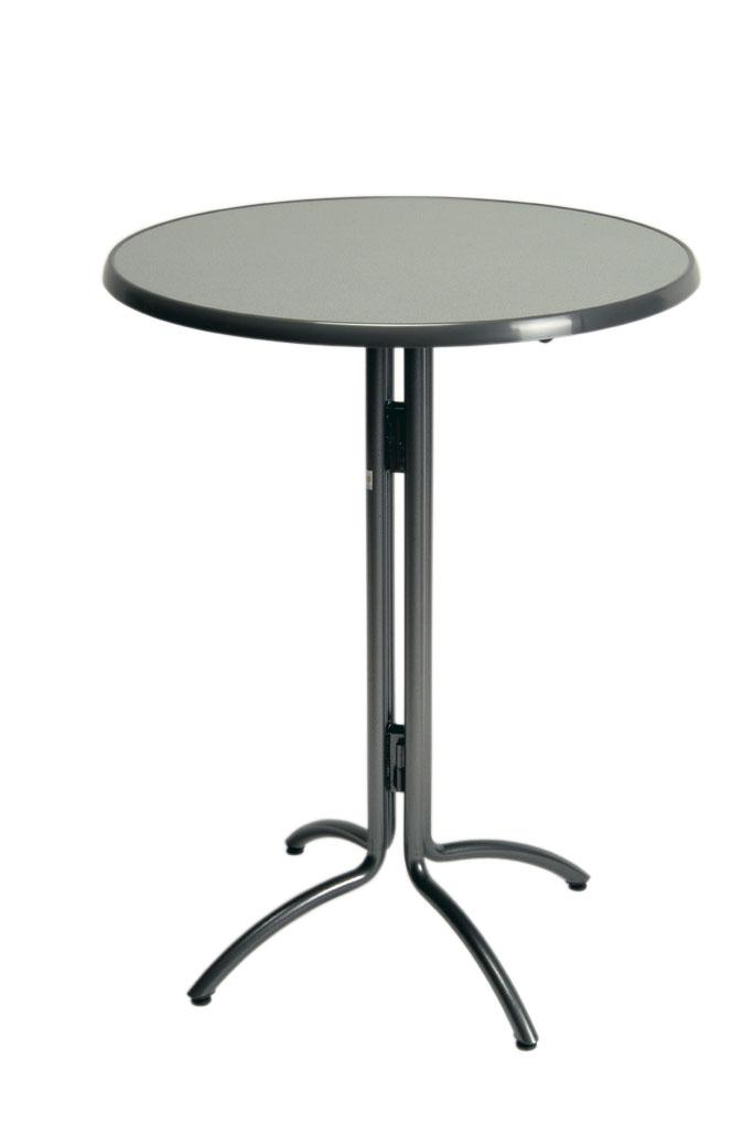 tafel voor over sta op stoel